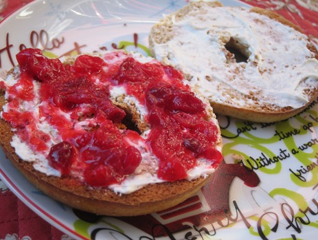 bagel with cran 036