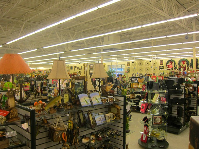 Hobby Lobby is an industry leading retailer offering more than 70, arts, crafts, hobbies, home décor, holiday, and seasonal products.