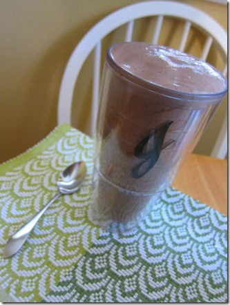 chocolate protein smoothie 001
