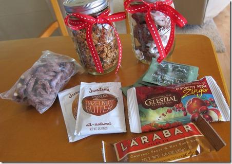 granola in ball jar 003