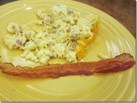 sausage and bacon scrambled eggs 001