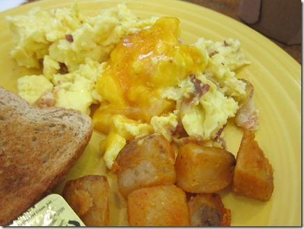 scrambled eggs with bacon and sausage 005