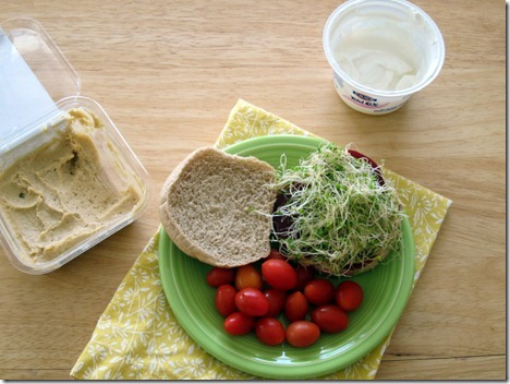 hummus and beet sandwich 001