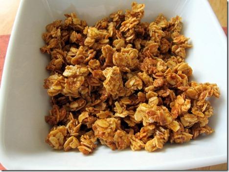 pumpkin spice granola 003