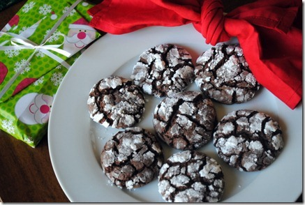 chocolate crinkle cookies 022