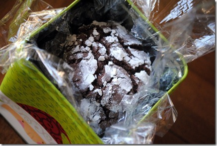 chocolate crinkle cookies 038