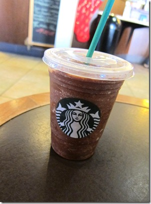 starbucks peppermint mocha frappuccino 001