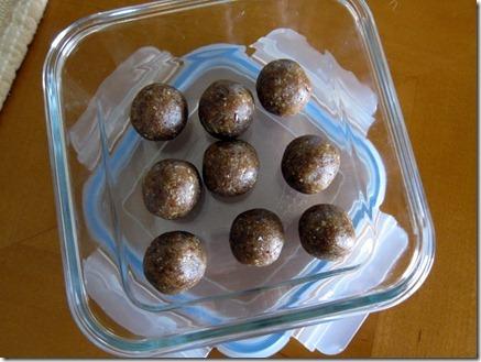 Date Balls 024-1