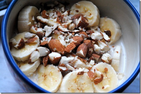 banana almonds overnight oats