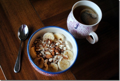 overnight oats almonds banana
