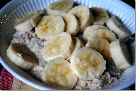 bananas on top of overnight oats