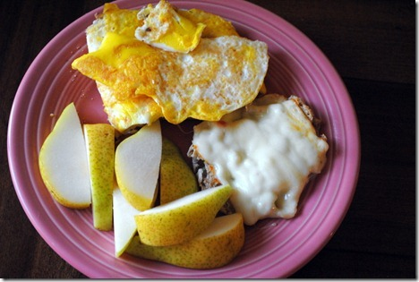 egg sandwich with pear