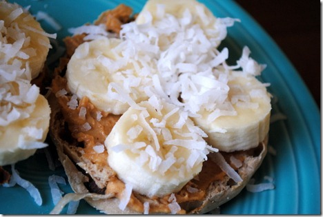 english muffin with peanut butter and banana 004