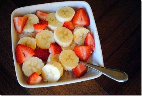 overnight oats strawberry banana