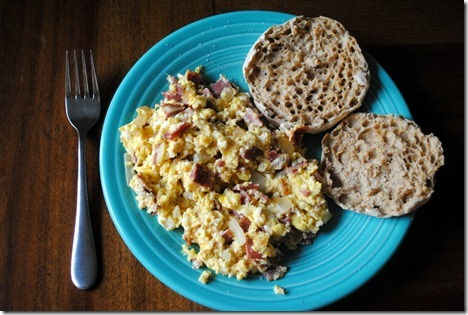 scrambled eggs turkey bacon 014