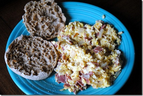 scrambled eggs turkey bacon 021