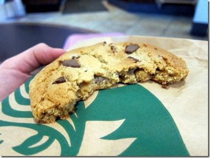 chocolate chunk cookie starbucks