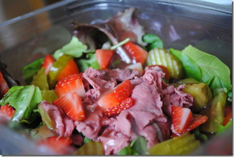 salad roast beef strawberries 010