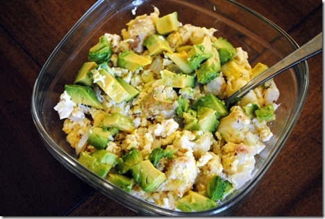 scrambled eggs with avocado 004