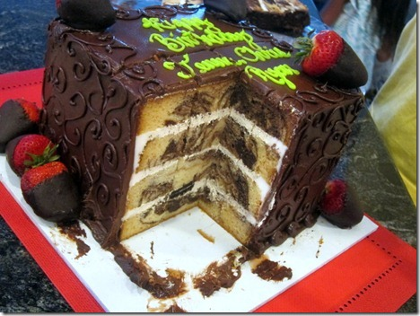 marble cake with cookies n cream filling