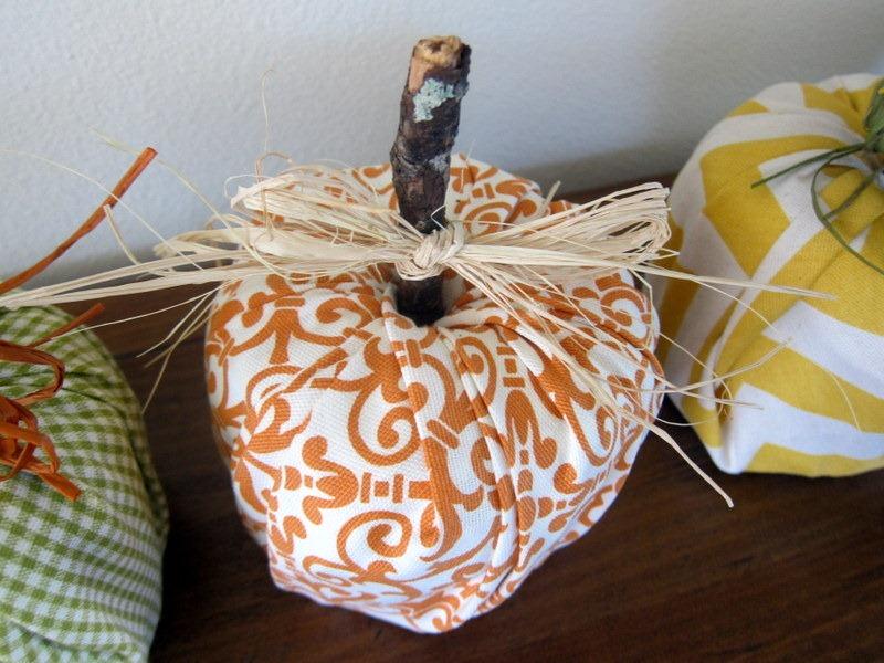 Toilet paper pumpkin craft project peanut butter fingers for Pumpkin stems for crafts