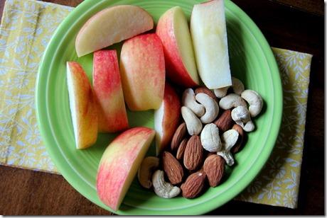 apple almonds cashews
