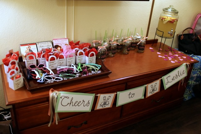 Leslie s savannah bachelorette party peanut butter fingers for Bachelor party decoration ideas