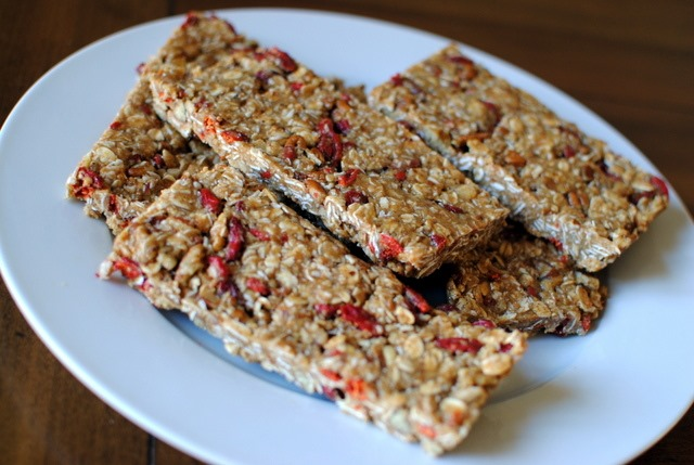 No Bake (and Easily Customizable) Granola Bars - Peanut Butter Fingers