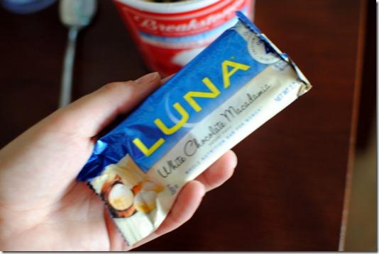LUNA Bar