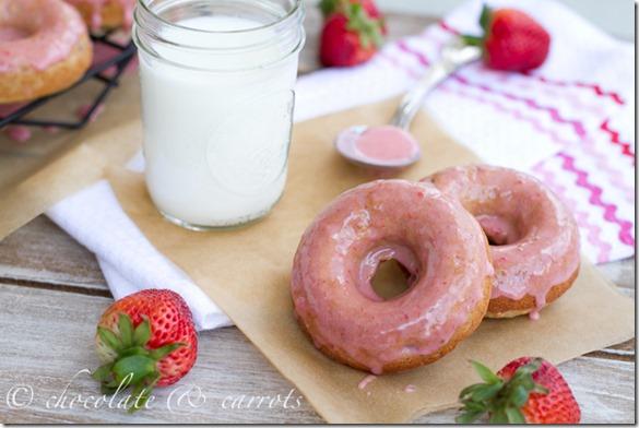 Healthy Strawberry Doughnuts