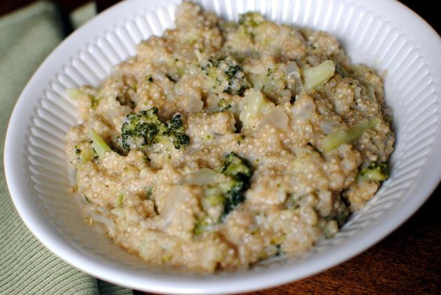 Cheesy Broccoli Quinoa | Peanut Butter Fingers