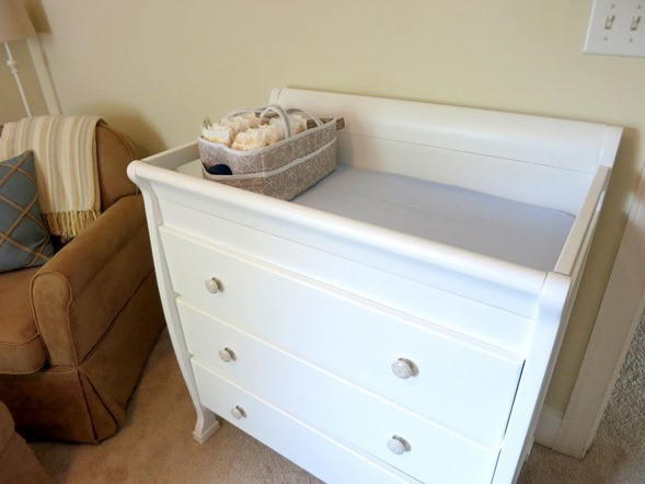 White-Changing-Table-Wayfair_thumb.jpg