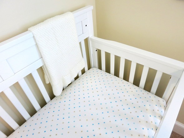 White-Nursery-Crib_thumb.jpg