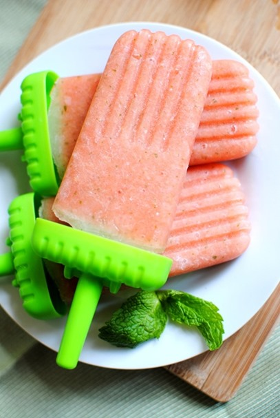 Easy-Watermelon-Pineapple-Popsicles-Recipe