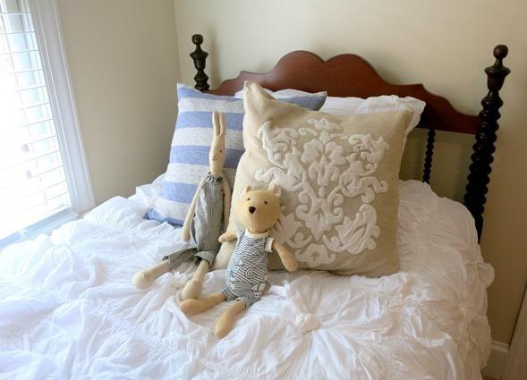 nursery room twin bed