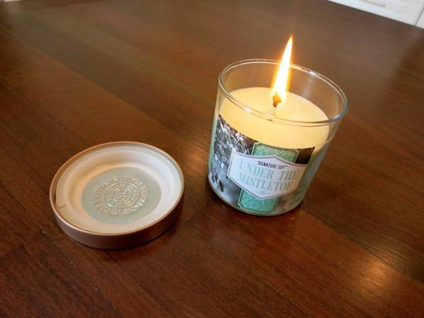 under the mistletoe candle