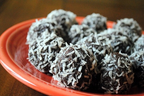 Healthy No Bake Chocolate Truffles