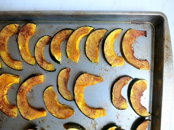 Roasted Maple Cinnamon Acorn Squash (Paleo, Gluten Free, Dairy Free)