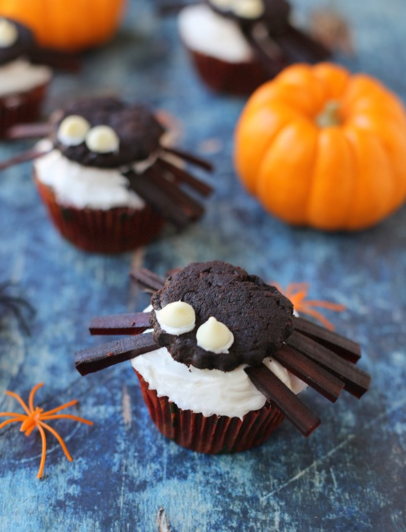 Spider Cupcake Holders ~ CASE LOT 12 Sets of 4 ~ For Spooky Halloween Fun!