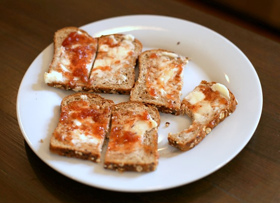 toast with butter and jelly